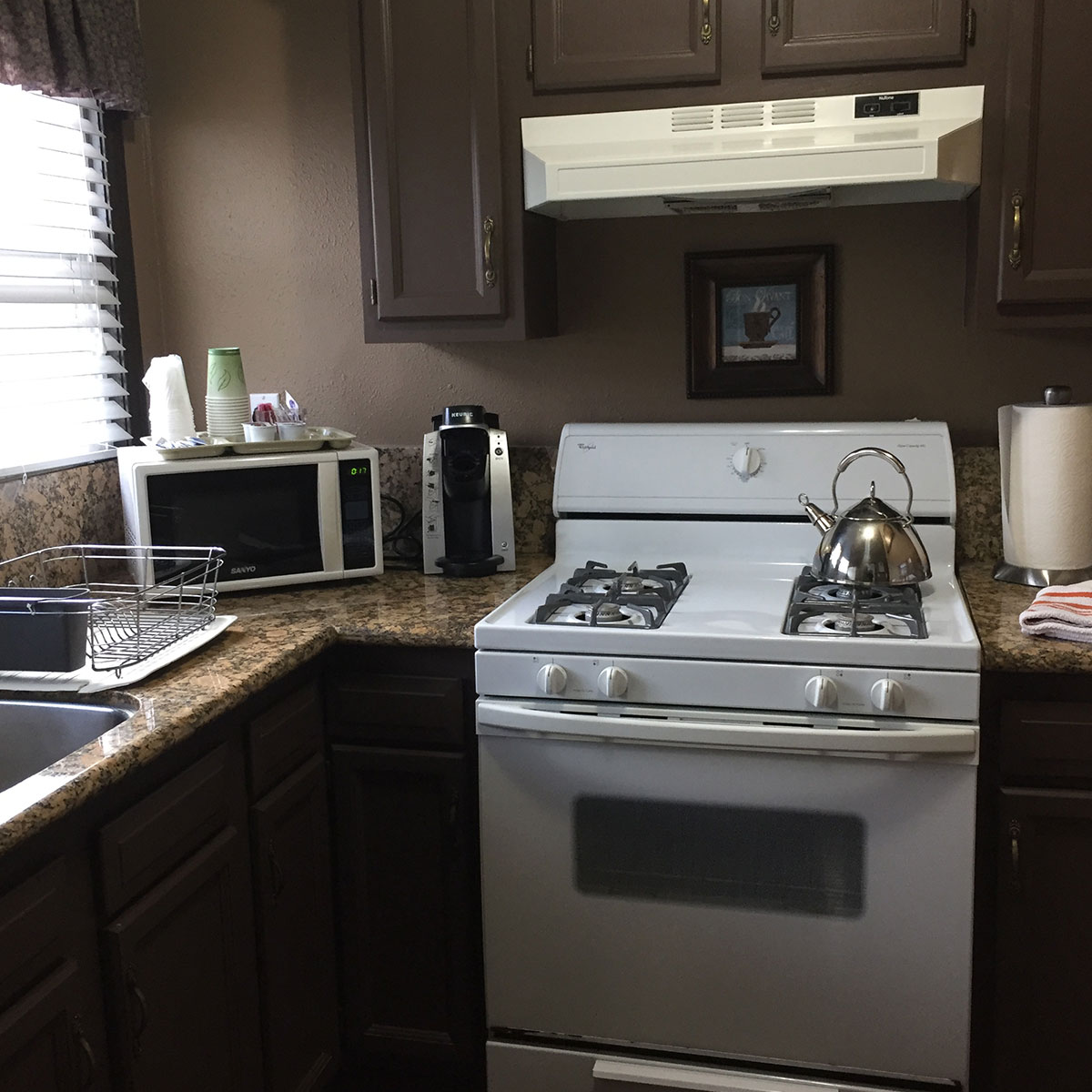 exec-suite-mm-kitchen